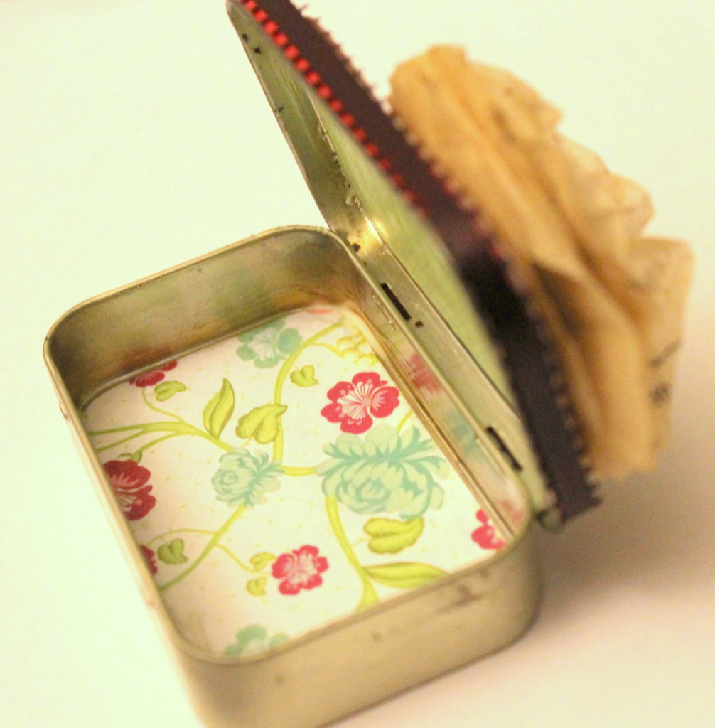 Altered Altoid Tin Tutorial
