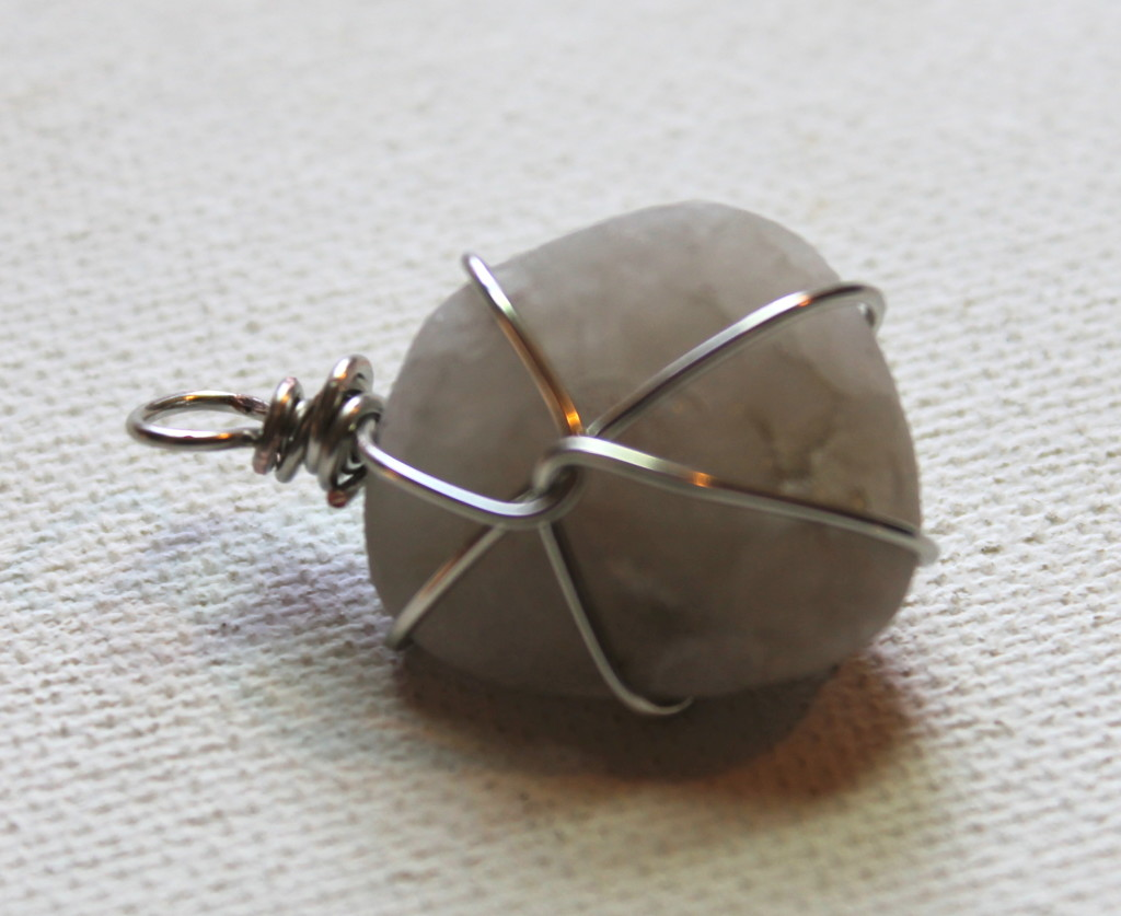 Wire wrapped beach stone
