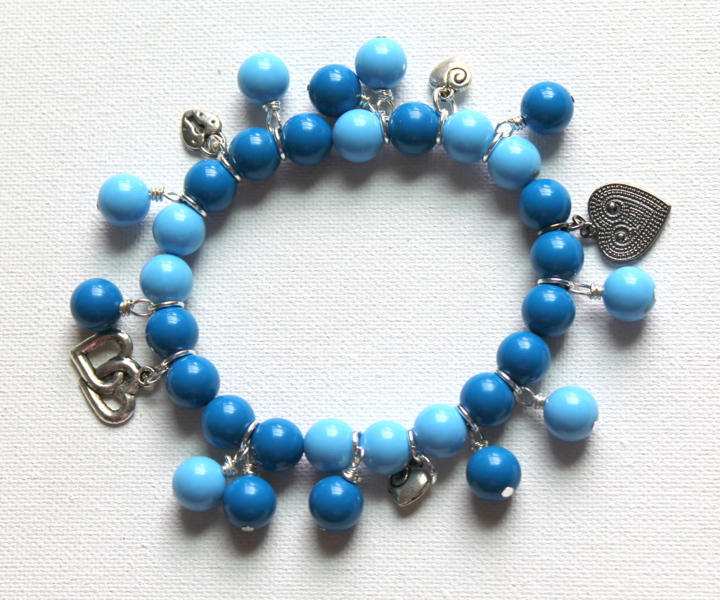How to Make a Stretchy Bracelet with Charms