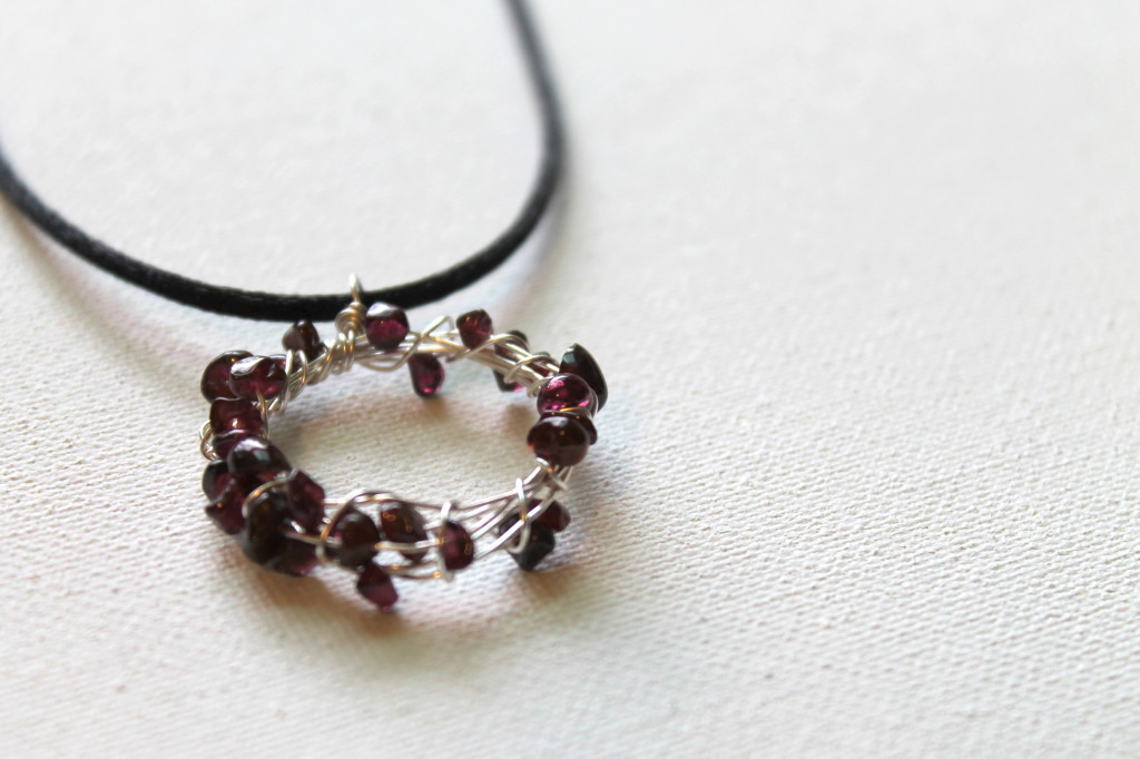 How to Make a Wire Wrapped Circle Pendant with Beads
