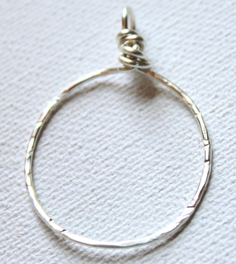 How to make a hammered wire circle pendant