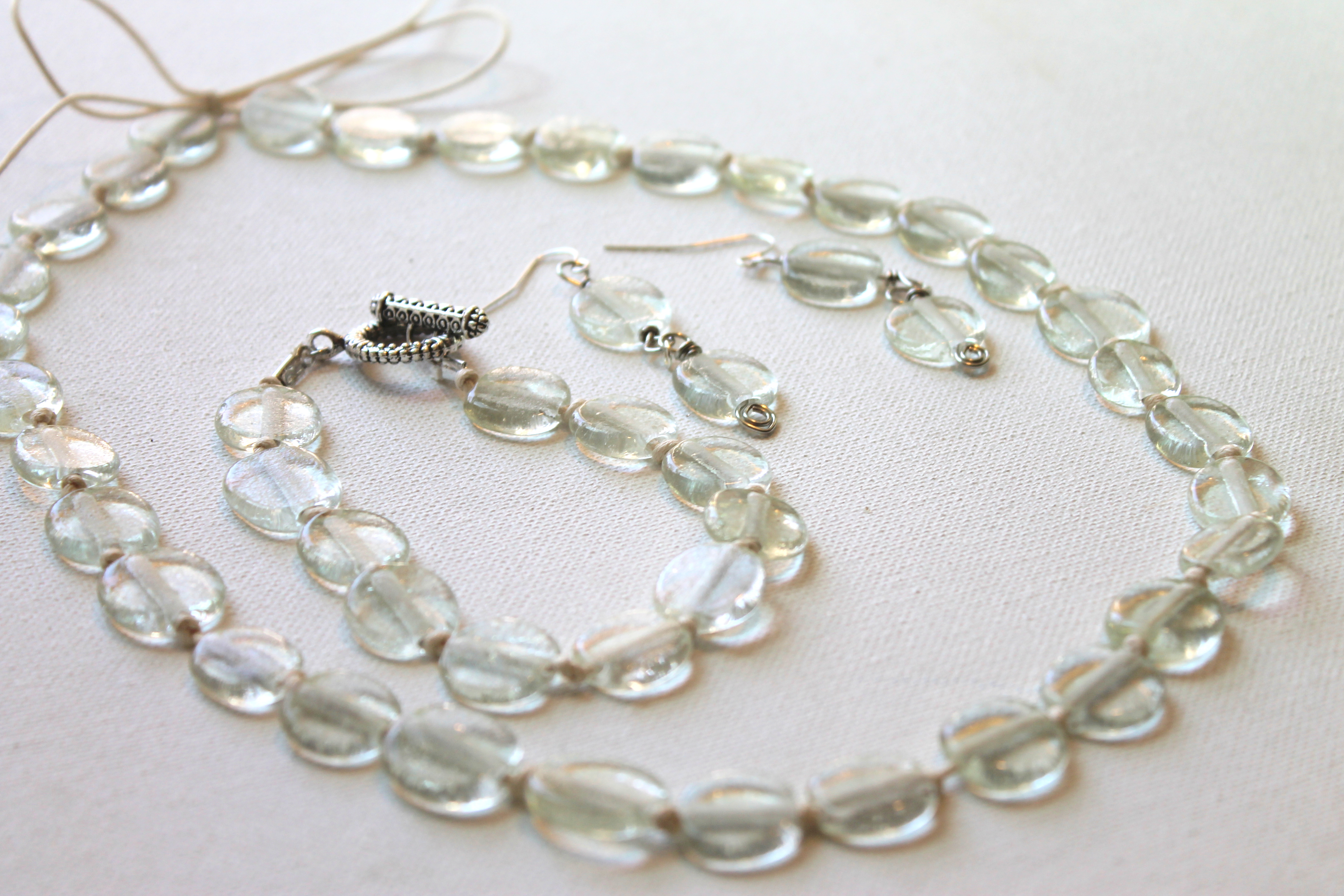 recycled glass bead knotted jewelry set tutorial