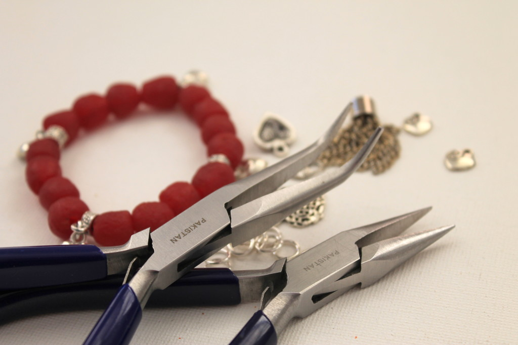 How to Make a Stretch Bracelet