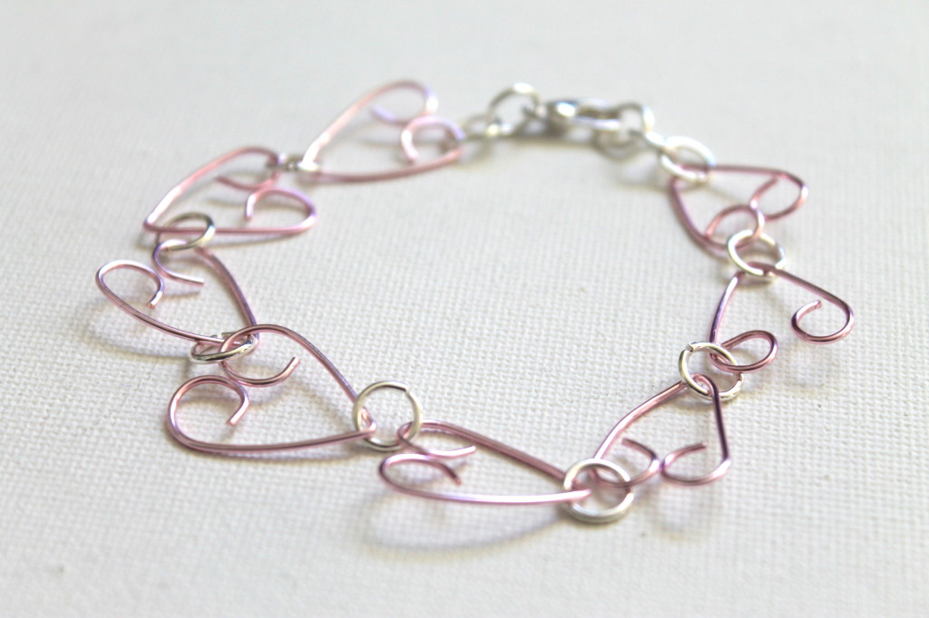 How to make a wire heart bracelet