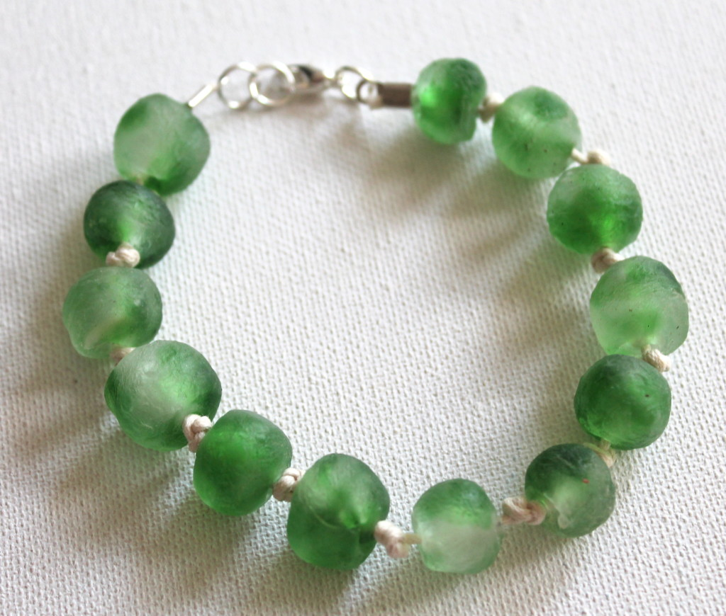 How to make a knotted bracelet