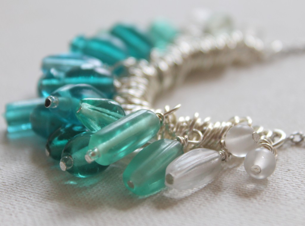 How to Make an Ombre Bead Dangle Necklace