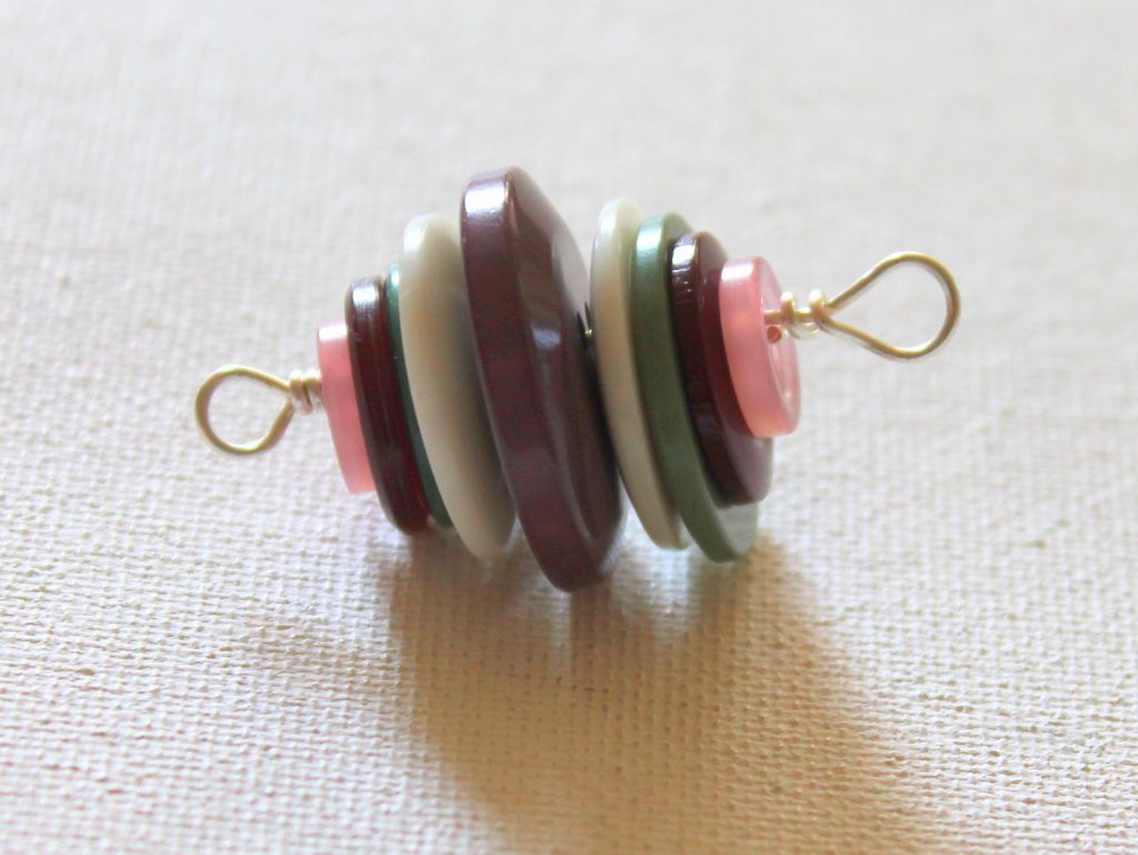 ECT TV Episode 75: Stacked Button Necklace